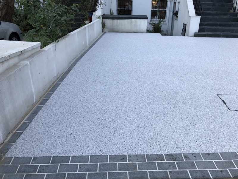 Resin bound driveway in Clapham Common